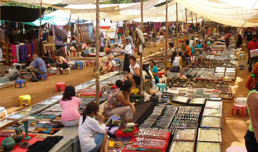 anjuna-flea-market.jpg