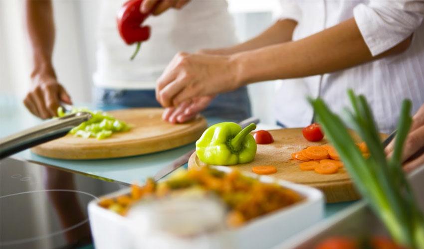 cookingclasswithindianfamily-agra.jpg