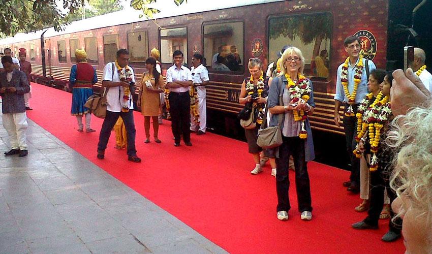 maharajas-express-gems-of-india.jpg